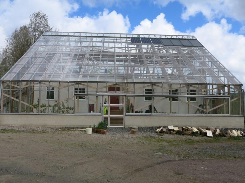 Hus med närodlat vid knuten som Grönsta har varit med och byggt. Foto: Grönsta