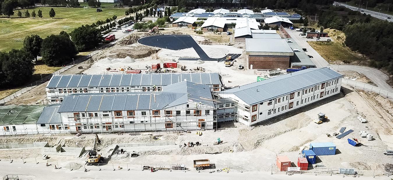 Parmaco har levererat Nordeuropas största flyttbara skola i centrala Halmstad.